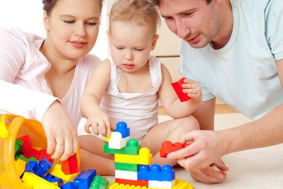 Reduceri la haine pentru copii, jocuri si jucarii, rechizite, carucioare si scaune auto
