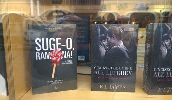 """Cele mai vandute carti din librarii: Cartile """"Suge-o, Ramona!"""", """"Fluturi"""" si """"Cincizeci de umbre ale lui Grey"""""""