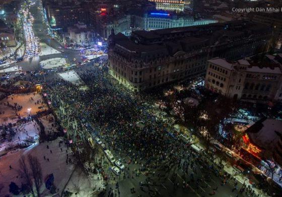 """Romania, """"Ce tara trista … Copiii ies in strada sa opreasca hotia, dar parintii stiu ei mai bine de la domnul Gadea sau Ghita ca de fapt au fost platiti de Soros cu 50 de lei de om si 30 de lei de caine"""""""