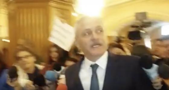 "Si-au pierdut controlul. Reactie incredibila a lui Dragnea in fata protestatarilor: ""Fac si pe ma-ta!"" – Vezi video"