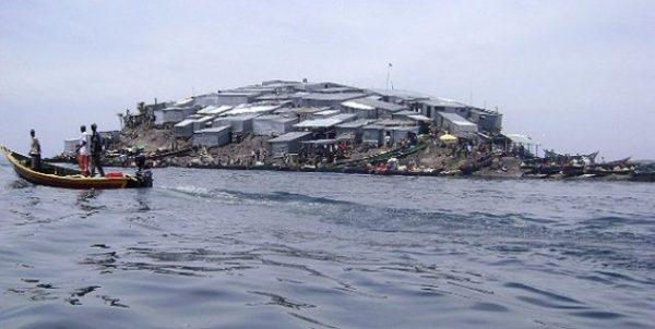 De ce se ingramadesc oamenii sa locuiasca pe cea mai mică insula
